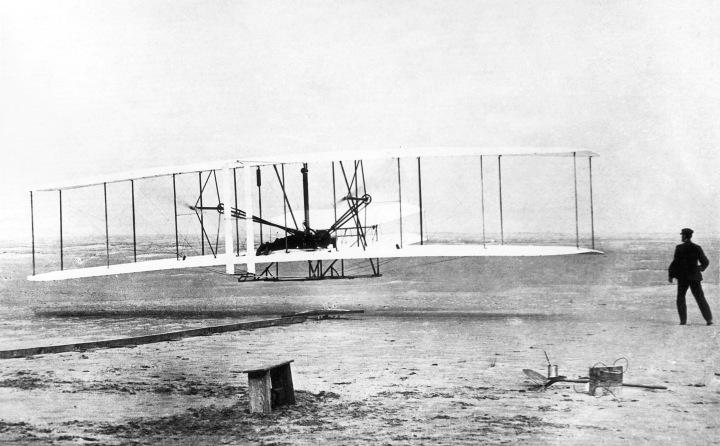 130607131706-wright-brothers-flight-1903.jpg
